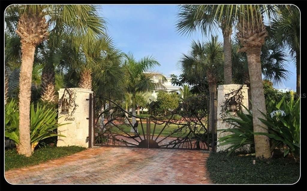 2. Single Family Homes for Sale at 10460 SUNNY DREAMS TERRACE Placida, Florida 33946 United States