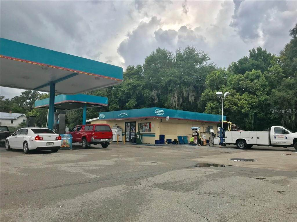 Commercial for Sale at 300 S SUMMIT STREET Crescent City, Florida 32112 United States