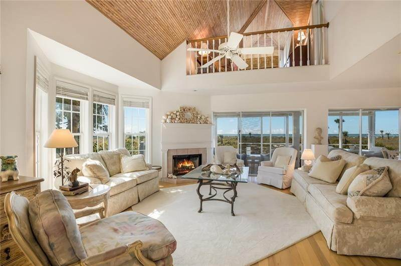 4. Single Family Homes for Sale at 16430 GULF SHORES DRIVE Boca Grande, Florida 33921 United States