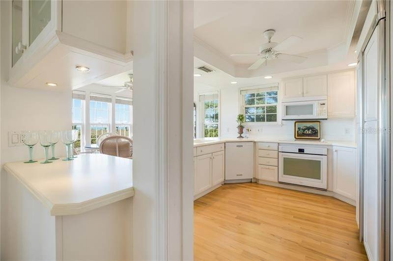 9. Single Family Homes for Sale at 16430 GULF SHORES DRIVE Boca Grande, Florida 33921 United States