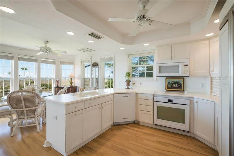 10. Single Family Homes for Sale at 16430 GULF SHORES DRIVE Boca Grande, Florida 33921 United States