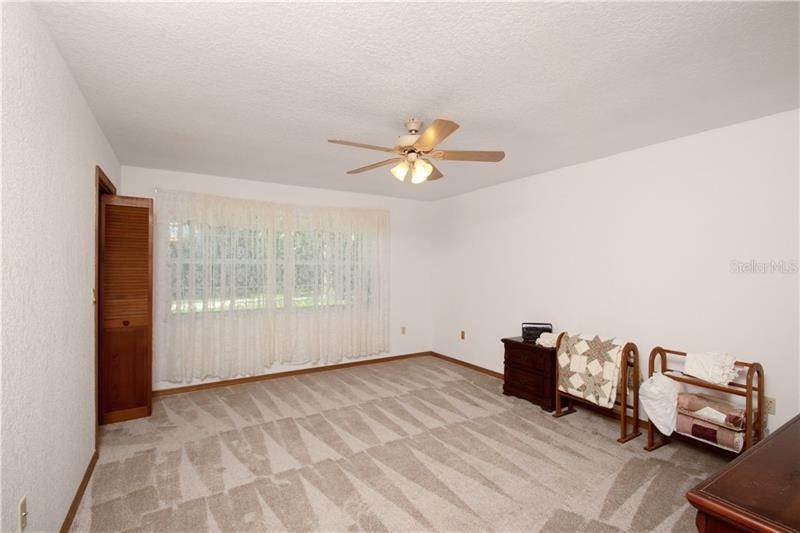 20. Single Family Homes for Sale at 6023 VALLEY SPRING DRIVE Brooksville, Florida 34601 United States