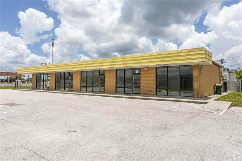 Commercial for Sale at 2526 TAMIAMI TRAIL D Port Charlotte, Florida 33952 United States