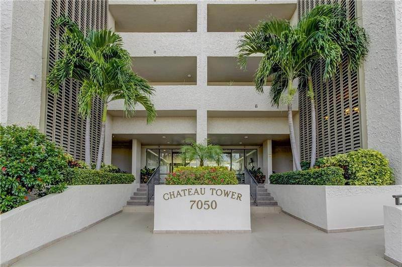 Condominiums por un Venta en 7050 SUNSET DRIVE S 416 South Pasadena, Florida 33707 Estados Unidos