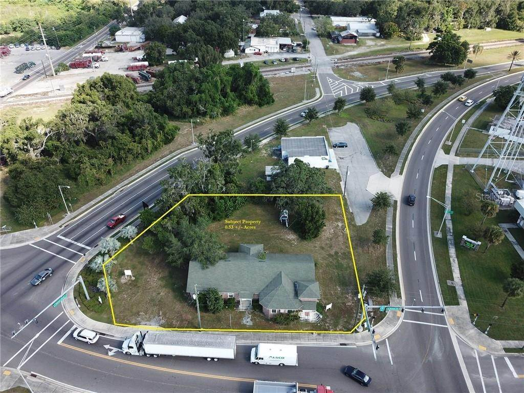 Commercial for Sale at 210 N LAKE SHORE WAY Lake Alfred, Florida 33850 United States