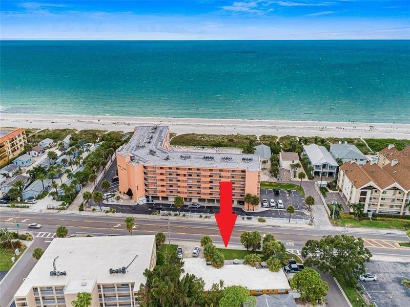 Comercial por un Venta en 1011 GULF BOULEVARD Indian Rocks Beach, Florida 33785 Estados Unidos
