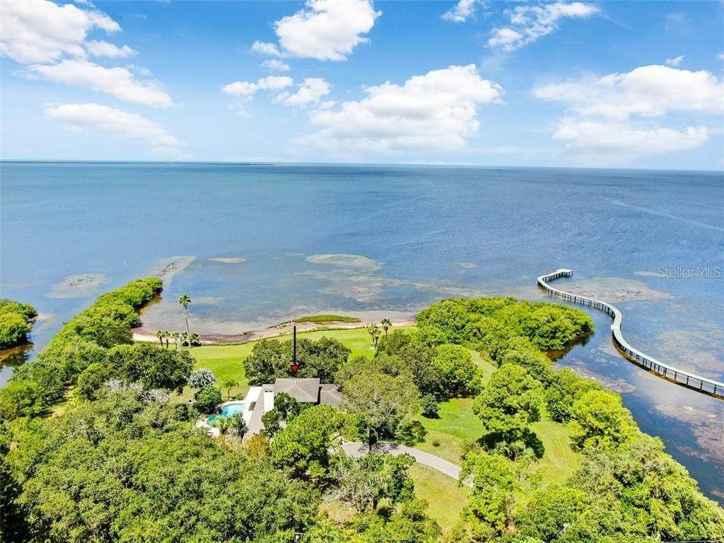 Single Family Homes por un Venta en 2825 BLUFF BOULEVARD Holiday, Florida 34691 Estados Unidos