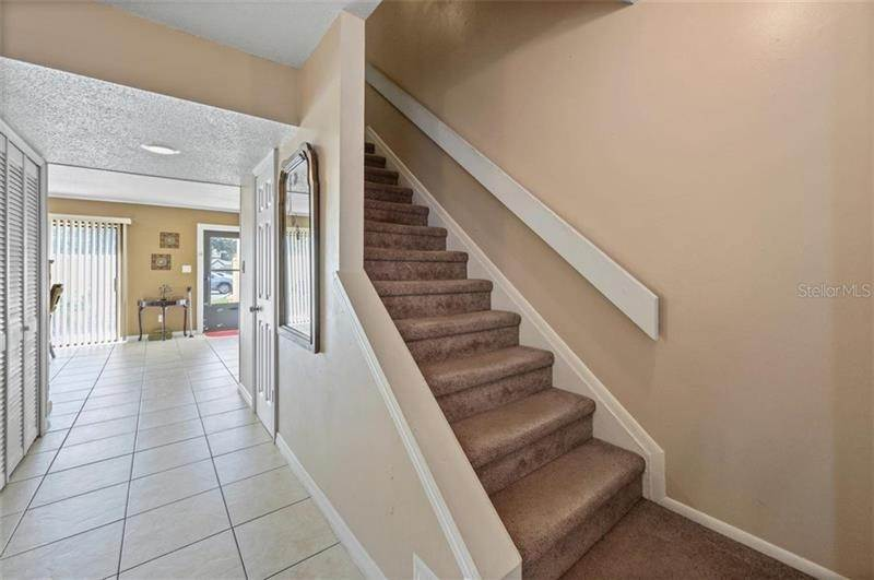 7. townhouses for Sale at 9011 PEBBLE CREEK DRIVE Tampa, Florida 33647 United States