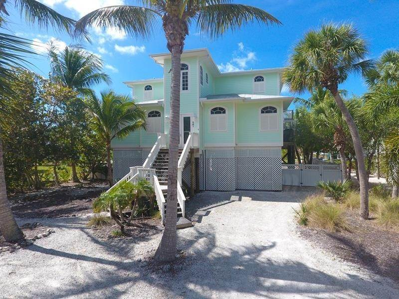 2. Single Family Homes for Sale at 241 KETTLE HARBOR DRIVE Placida, Florida 33946 United States