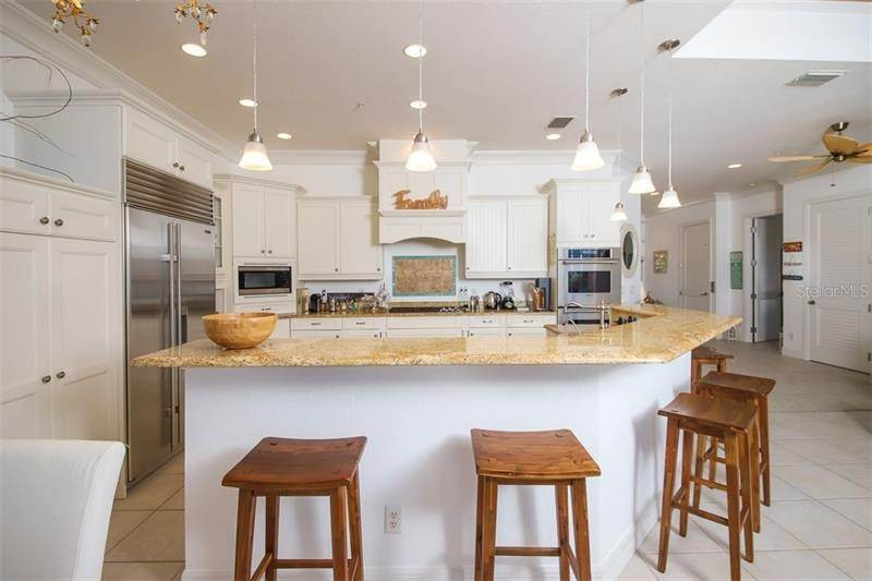 11. Single Family Homes for Sale at 241 KETTLE HARBOR DRIVE Placida, Florida 33946 United States