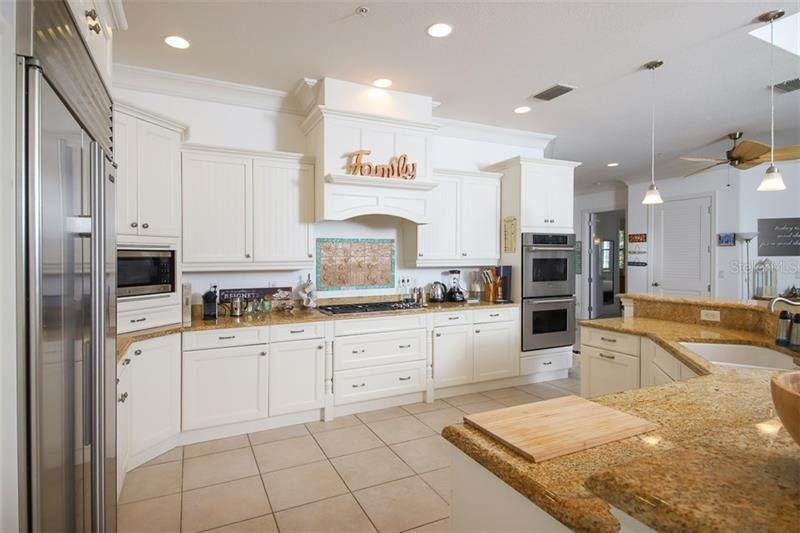 12. Single Family Homes for Sale at 241 KETTLE HARBOR DRIVE Placida, Florida 33946 United States