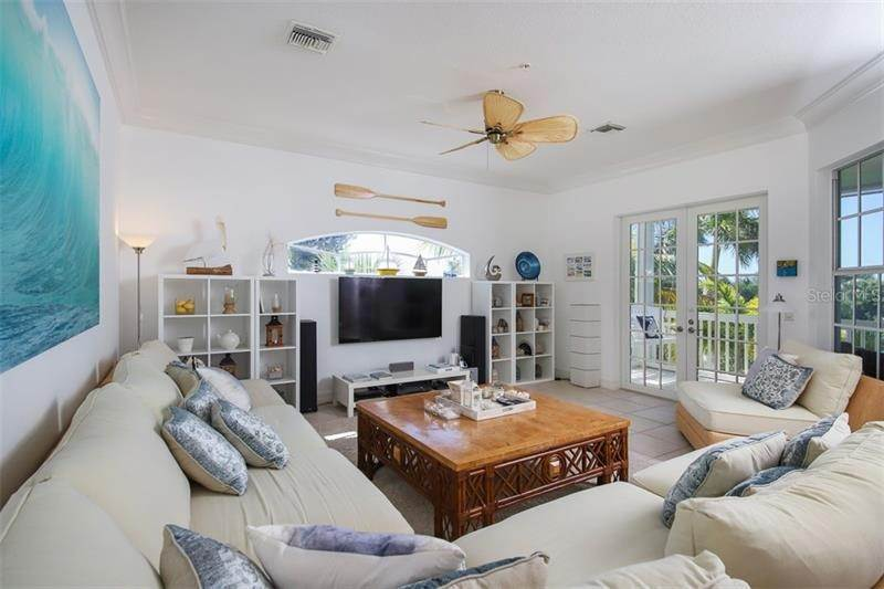 17. Single Family Homes for Sale at 241 KETTLE HARBOR DRIVE Placida, Florida 33946 United States