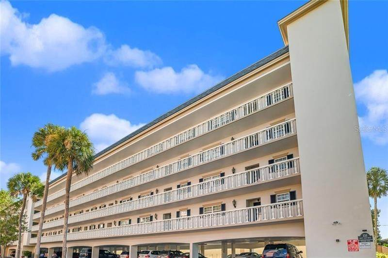Condominiums for Sale at 131 BLUFF VIEW DRIVE 106 Belleair Bluffs, Florida 33770 United States