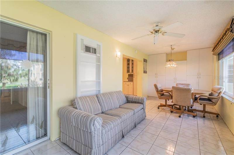 19. Condominiums for Sale at 2402 ECUADORIAN WAY 34 Clearwater, Florida 33763 United States