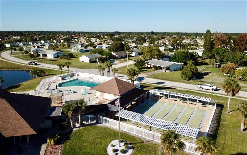 17. Single Family Homes for Sale at 13554 BENNETT DRIVE Port Charlotte, Florida 33981 United States