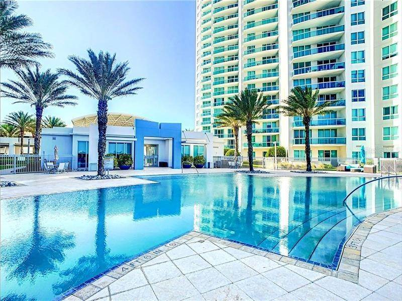 Condominiums for Sale at 241 RIVERSIDE DRIVE 1403 Holly Hill, Florida 32117 United States