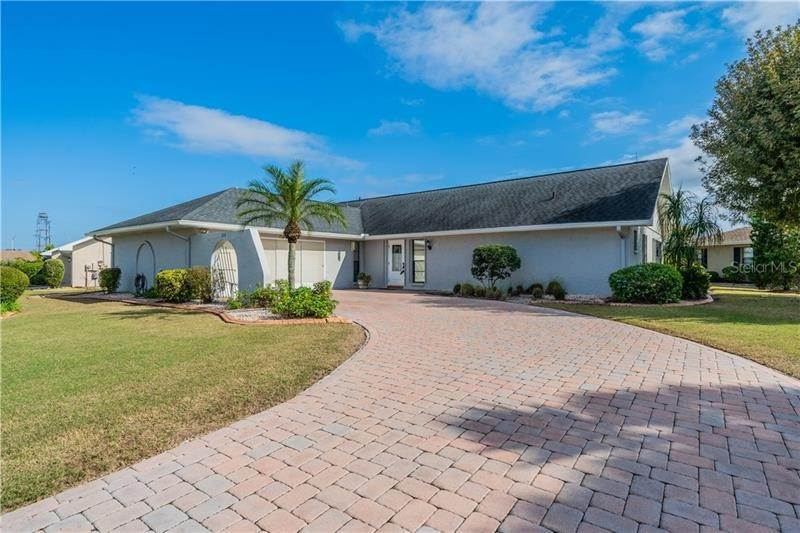Single Family Homes for Sale at 236 N BROCKFIELD DRIVE Sun City Center, Florida 33573 United States