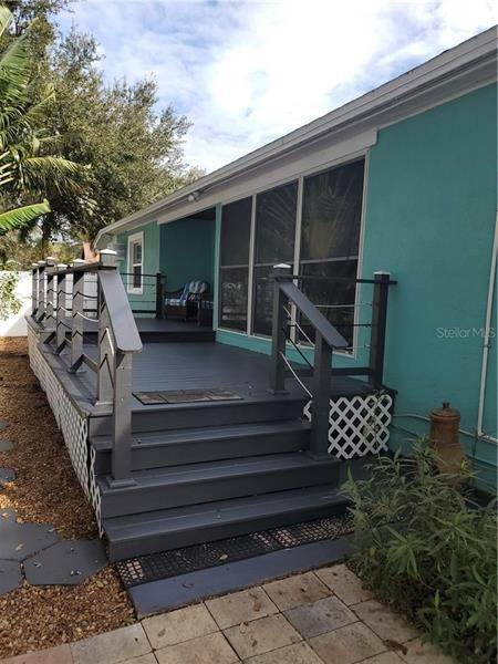 16. Single Family Homes for Sale at 7430 2ND AVENUE N St. Petersburg, Florida 33710 United States