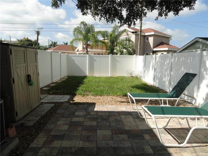 17. Single Family Homes for Sale at 7430 2ND AVENUE N St. Petersburg, Florida 33710 United States