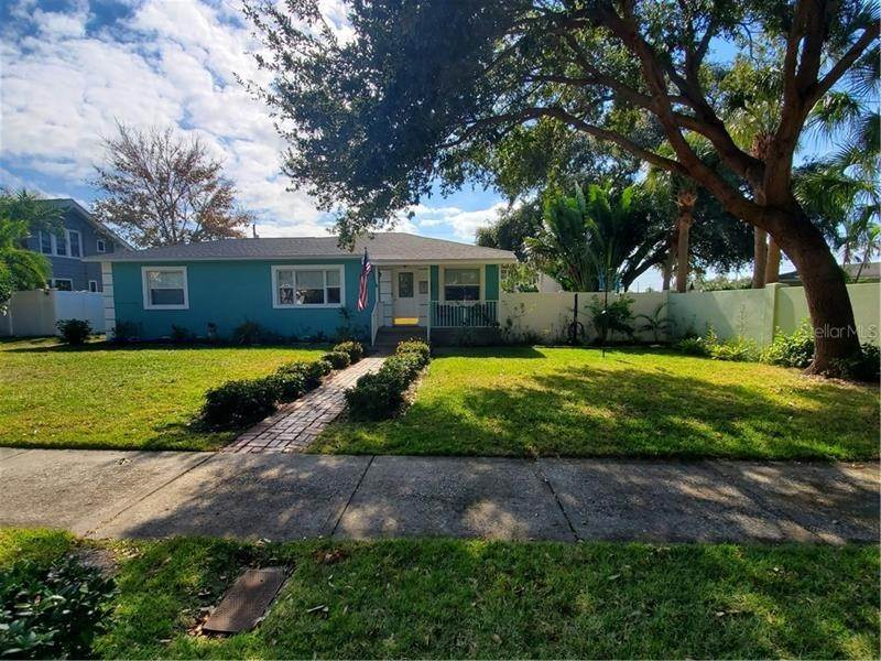 20. Single Family Homes for Sale at 7430 2ND AVENUE N St. Petersburg, Florida 33710 United States