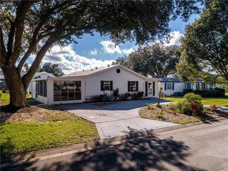 2. Single Family Homes for Sale at 507 SAINT ANDREWS BOULEVARD Lady Lake, Florida 32159 United States