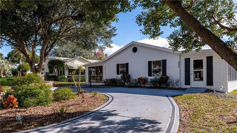 4. Single Family Homes for Sale at 507 SAINT ANDREWS BOULEVARD Lady Lake, Florida 32159 United States