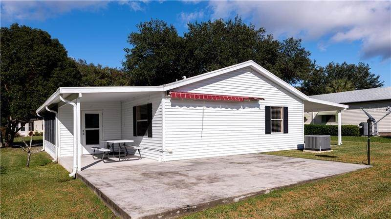 8. Single Family Homes for Sale at 507 SAINT ANDREWS BOULEVARD Lady Lake, Florida 32159 United States