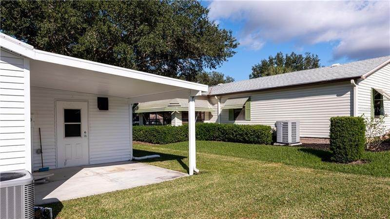 9. Single Family Homes for Sale at 507 SAINT ANDREWS BOULEVARD Lady Lake, Florida 32159 United States
