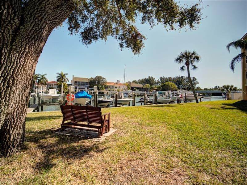 3. Condominiums for Sale at 1125 PINELLAS BAYWAY S 306 Tierra Verde, Florida 33715 United States