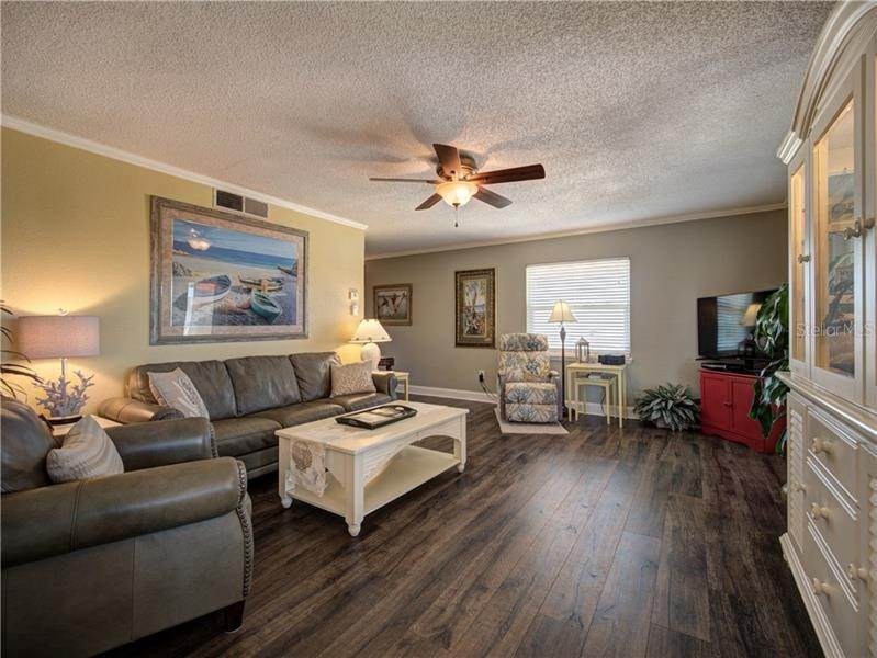 6. Condominiums for Sale at 1125 PINELLAS BAYWAY S 306 Tierra Verde, Florida 33715 United States