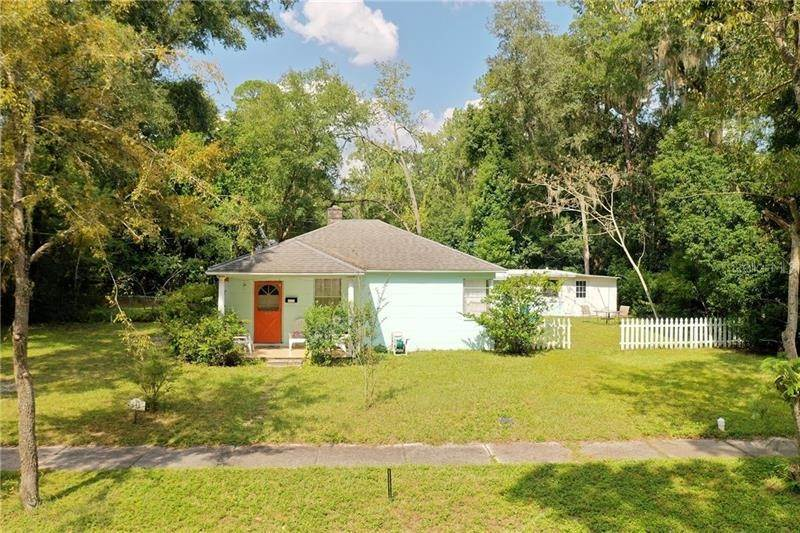 Single Family Homes por un Venta en 814 NE 11TH AVENUE Gainesville, Florida 32601 Estados Unidos