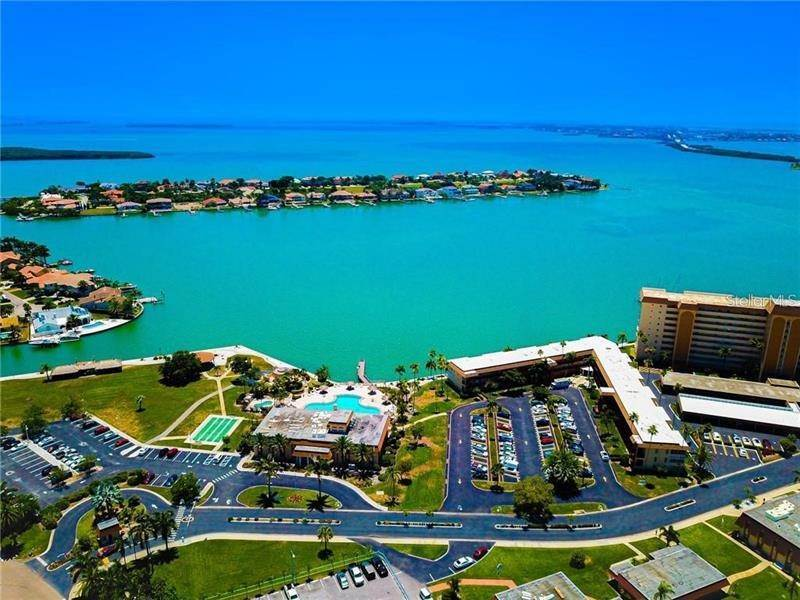 Condominiums for Sale at 5020 BRITTANY DRIVE S 322 St. Petersburg, Florida 33715 United States