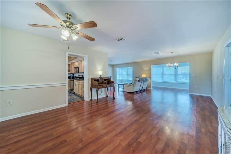 4. Condominiums for Sale at 5020 BRITTANY DRIVE S 322 St. Petersburg, Florida 33715 United States