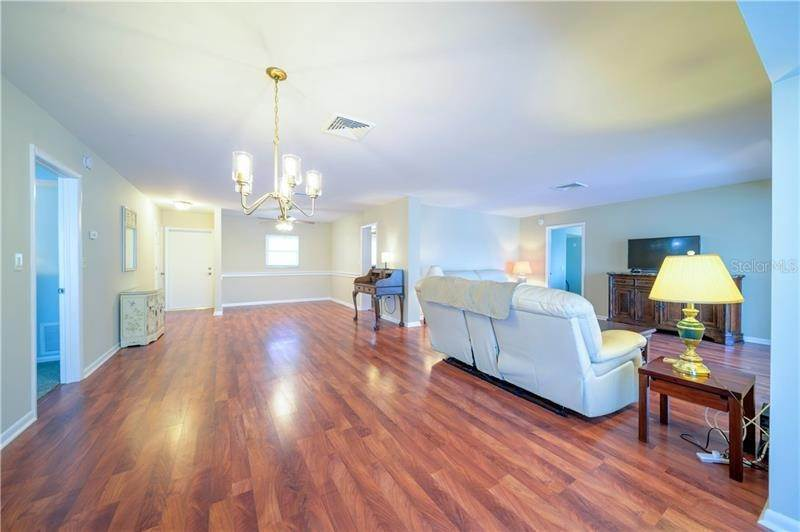 5. Condominiums for Sale at 5020 BRITTANY DRIVE S 322 St. Petersburg, Florida 33715 United States