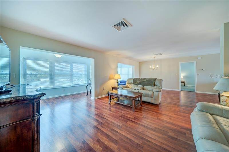 6. Condominiums for Sale at 5020 BRITTANY DRIVE S 322 St. Petersburg, Florida 33715 United States