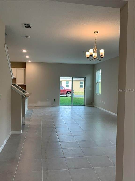 12. Single Family Homes for Sale at 2651 GRASMERE VIEW PARKWAY N Kissimmee, Florida 34746 United States