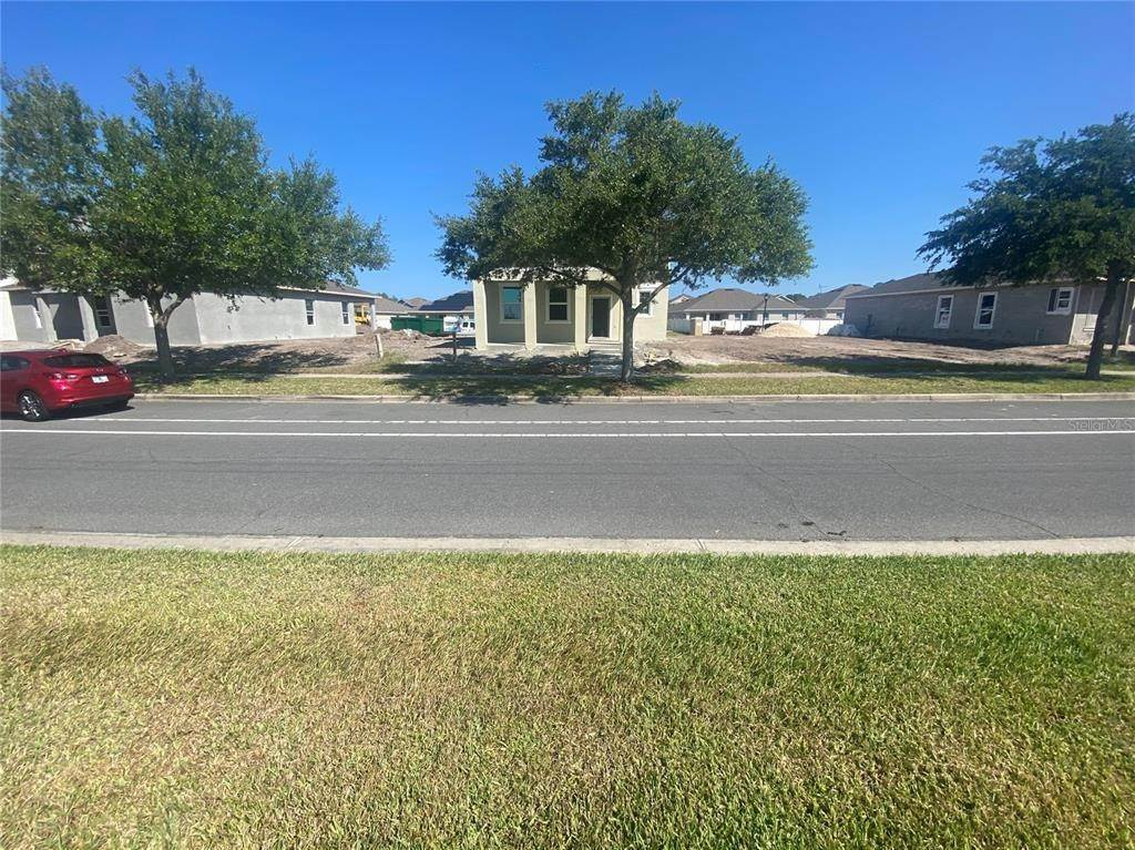 3. Single Family Homes for Sale at 2651 GRASMERE VIEW PARKWAY N Kissimmee, Florida 34746 United States