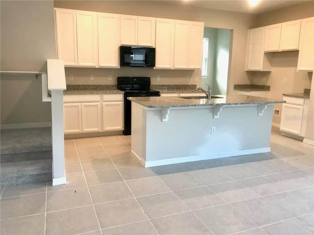 5. Single Family Homes for Sale at 2651 GRASMERE VIEW PARKWAY N Kissimmee, Florida 34746 United States