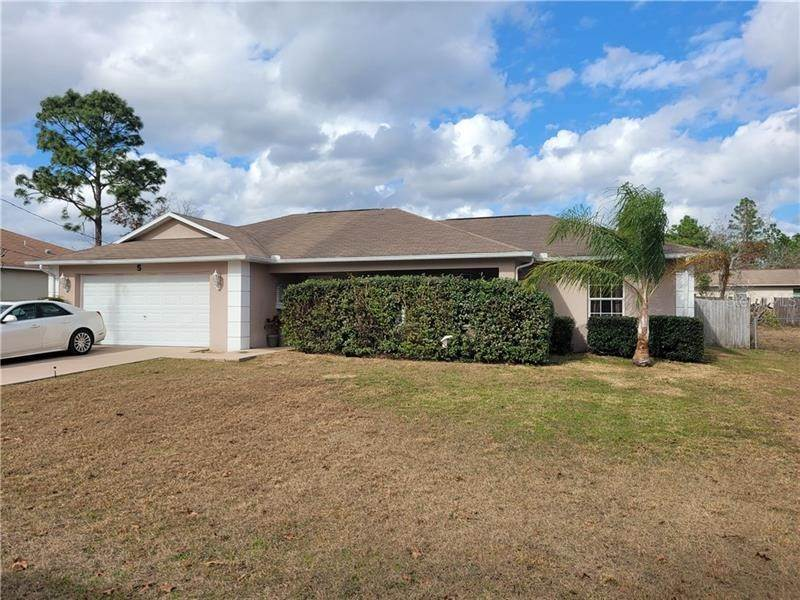 Single Family Homes for Sale at 5 REDWOOD RUN TRACK Ocala, Florida 34472 United States