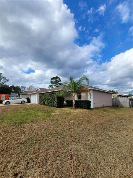 8. Single Family Homes for Sale at 5 REDWOOD RUN TRACK Ocala, Florida 34472 United States