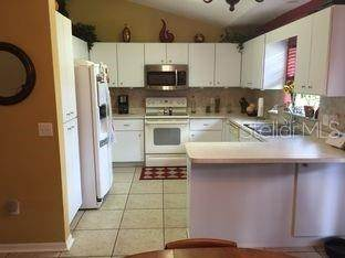 10. Single Family Homes for Sale at 5 REDWOOD RUN TRACK Ocala, Florida 34472 United States