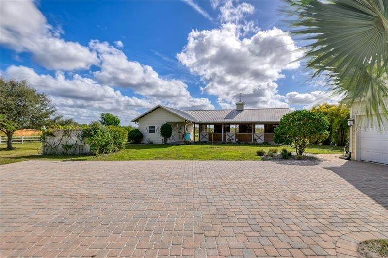 4. Single Family Homes for Sale at 251 DEER HAMMOCK ROAD Sarasota, Florida 34240 United States