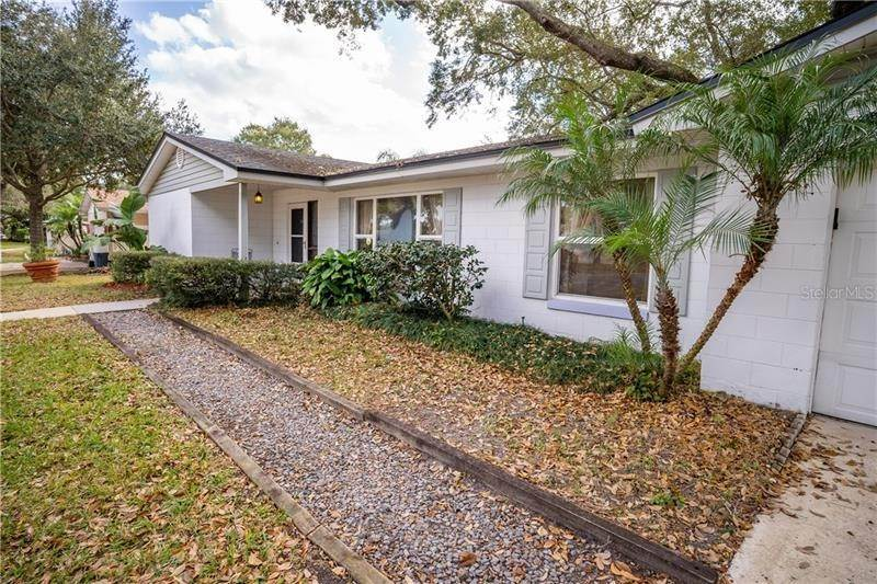 4. Single Family Homes for Sale at 4126 QUANDO DRIVE Belle Isle, Florida 32812 United States