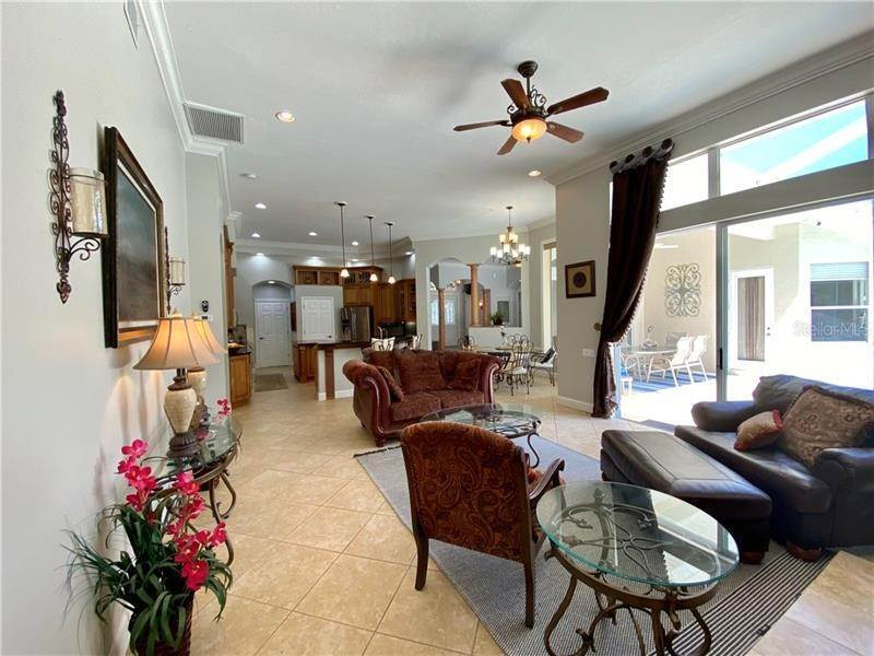 11. Single Family Homes for Sale at 6915 CUMBERLAND TERRACE University Park, Florida 34201 United States