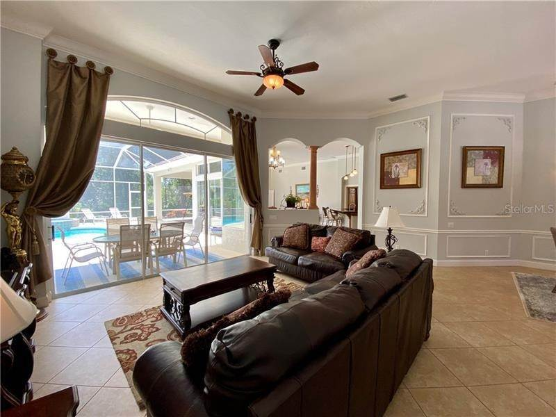 13. Single Family Homes for Sale at 6915 CUMBERLAND TERRACE University Park, Florida 34201 United States