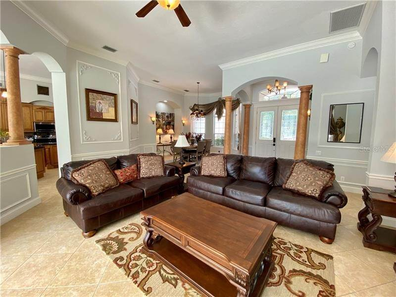 3. Single Family Homes for Sale at 6915 CUMBERLAND TERRACE University Park, Florida 34201 United States