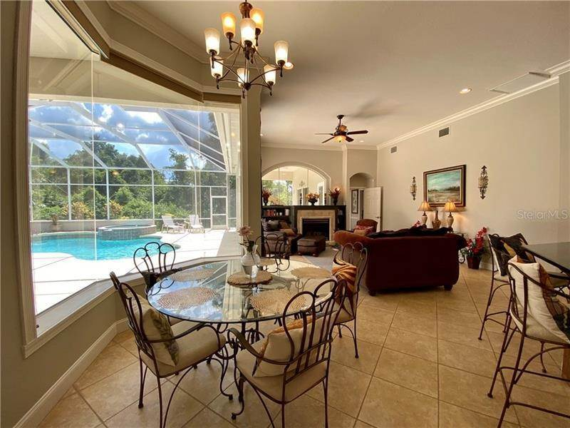 4. Single Family Homes for Sale at 6915 CUMBERLAND TERRACE University Park, Florida 34201 United States