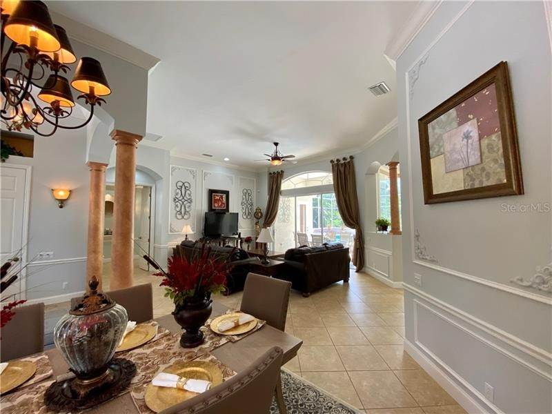 10. Single Family Homes for Sale at 6915 CUMBERLAND TERRACE University Park, Florida 34201 United States