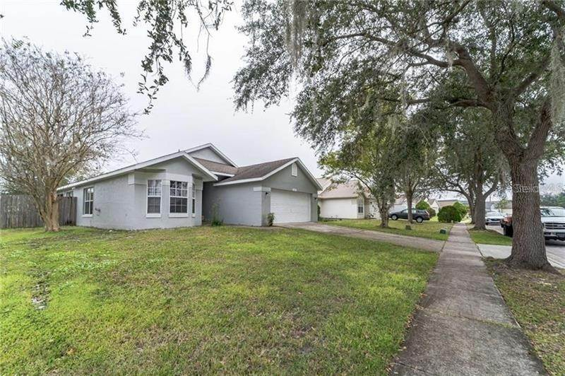 3. Single Family Homes for Sale at 8135 FORT THOMAS WAY Orlando, Florida 32822 United States