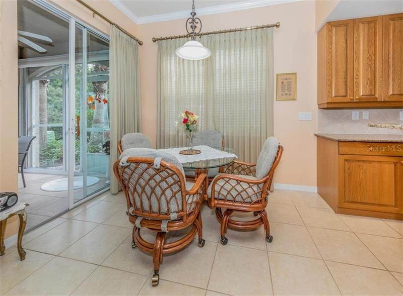 17. Condominiums for Sale at 1000 IBIS WAY 102 Venice, Florida 34292 United States